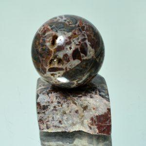 Брекчия джеспилитовая цементированная кварцев